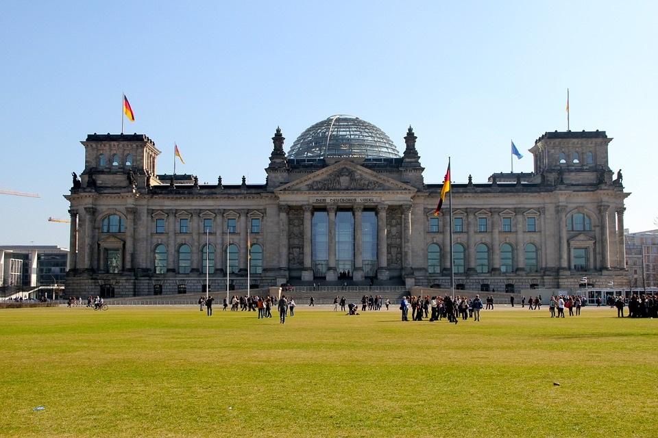 berlinparlamento ART 159: VIAJANDO: EL TIEMPO EN TU DESTINO BERLÍN