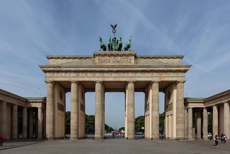 berlinpuertabrandenburgo ART 159: VIAJANDO: EL TIEMPO EN TU DESTINO BERLÍN