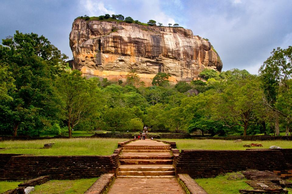 sri lanka sigiriya roca del leon ART 220: VIAJANDO: EL TIEMPO EN TU DESTINO SRI LANKA