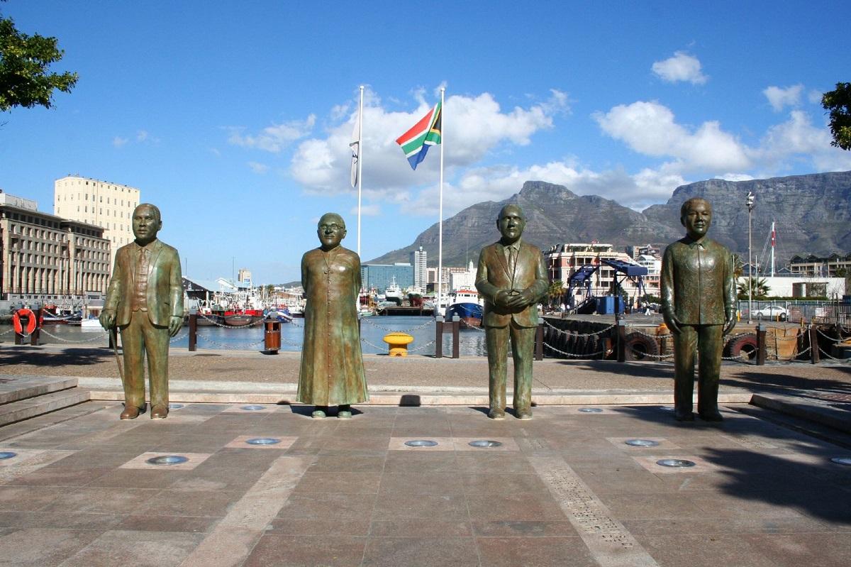 sudafrica ciudad del cabo nobel square ART 219: VIAJANDO: EL TIEMPO EN TU DESTINO CIUDAD DEL CABO/SUDÁFRICA