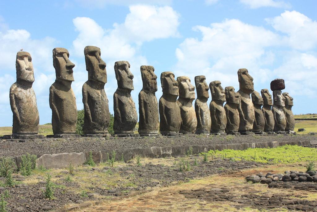 isla de pascua moais tongariki ART 223: VIAJANDO: EL TIEMPO EN TU DESTINO ISLA DE PASCUA
