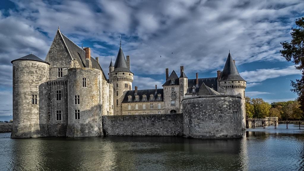 valle del loira castillo de Sully sur Loire ART 222: VIAJANDO: EL TIEMPO EN TU DESTINO LOS CASTILLOS DEL VALLE DEL LOIRA