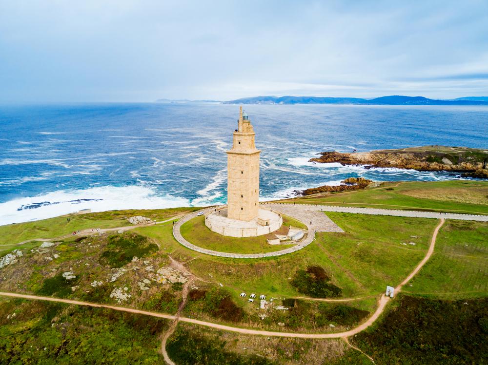 galicia torre de hercules ART 225: VIAJANDO: EL TIEMPO EN TU DESTINO RUTA DE LOS FAROS/GALICIA